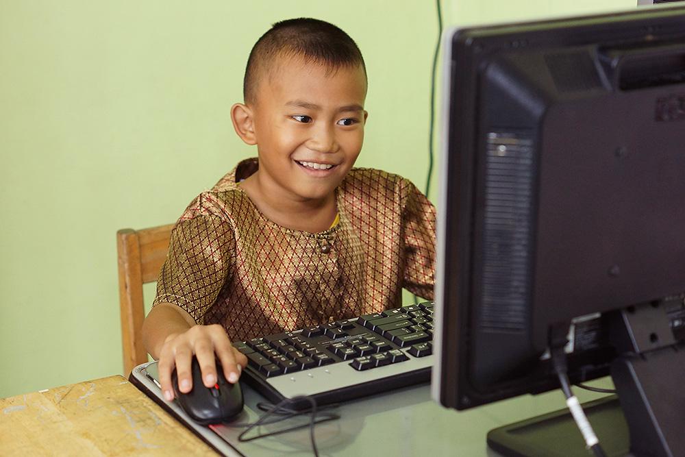 บมจ. เทเลอินโฟ มีเดีย สนับสนุนเครื่องคอมพิวเตอร์ เพื่อการศึกษาให้โรงเรียนที่ขาดแคลน - รูปที่ 2